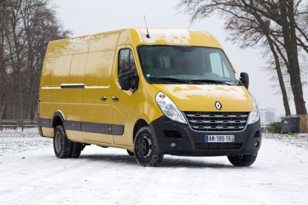 le renault master lu utilitaire de l 39 ann e 2011 l 39 argus pro. Black Bedroom Furniture Sets. Home Design Ideas