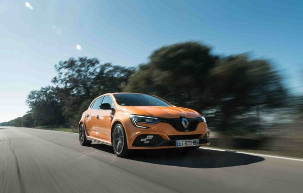 Renault Mégane RS orange tonic travelling avant droit